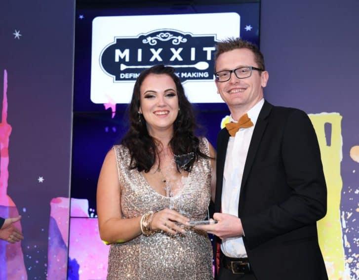 Loren MacGregor - Buzby Hotel / Presented by John Parsons - Snr Mixxit Ambassador