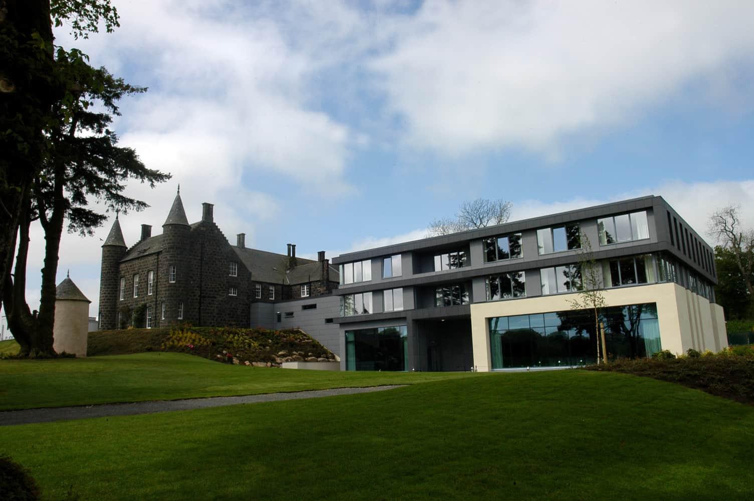 Design focus meldrum house dram scotland for Hotel design course