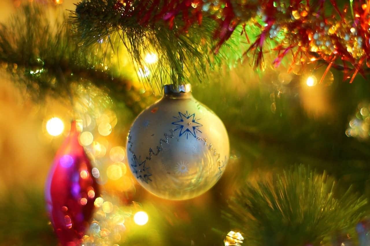 christmas tree 1812689 1280