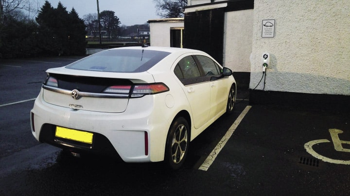 Electric Car - Uplawmoor Hotel