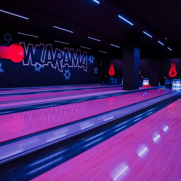 Bowlarama-Bowling-Lanes