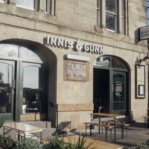 Innis-Gunn-Brewery-Taproom-Leith