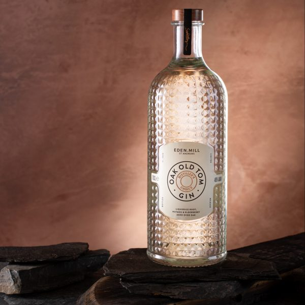 Eden-Mills-Distillers-Choice-Old-Oak-Tom-Gin