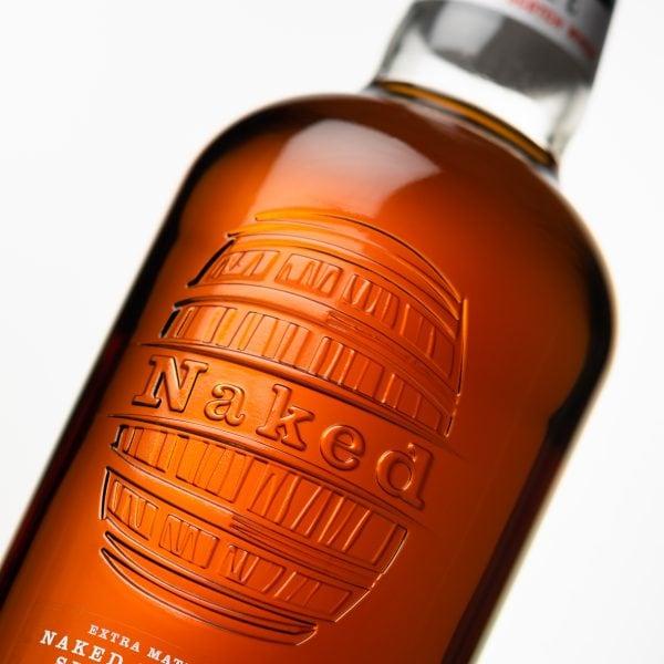 NM-Studio-2020-Bottle-Mood-Shot-4-Cask-Detail-1-700ml-LE5000-300dpi